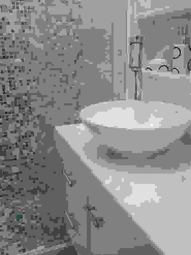 conjugado em Copacabana Banheiros modernos por Margareth Salles Moderno Azulejo