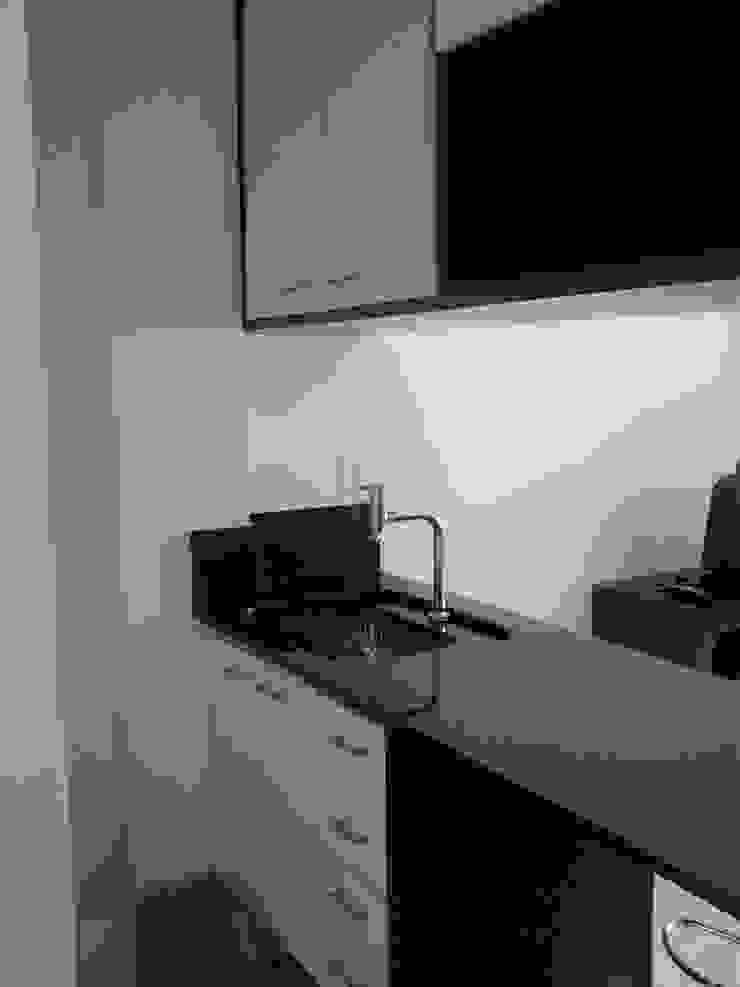 conjugado em Copacabana Cozinhas modernas por Margareth Salles Moderno Granito