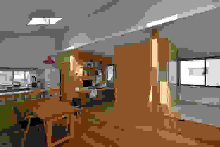 スタディコーナーと小上がり 北欧デザインの 書斎 の 株式会社ブレッツァ・アーキテクツ 北欧