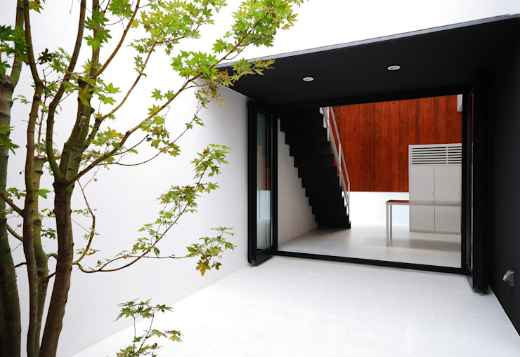 Modern Terrace by 株式会社ブレッツァ・アーキテクツ Modern