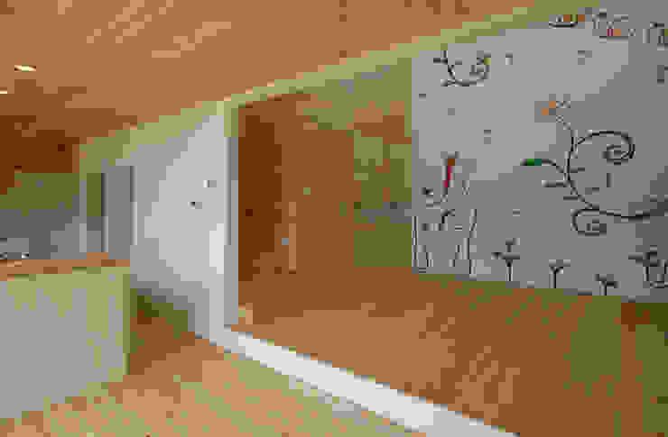 壁画のあるリビング 和風デザインの リビング の 株式会社ブレッツァ・アーキテクツ 和風