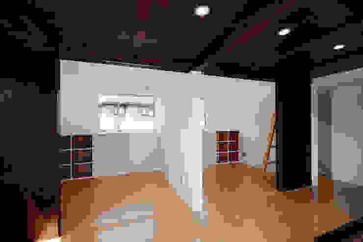 Moderne Kinderzimmer von 株式会社ブレッツァ・アーキテクツ Modern
