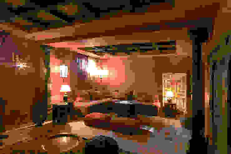 Salon estilo marroqui Salones de estilo mediterráneo de Taller de Interiores Mediterraneos Mediterráneo