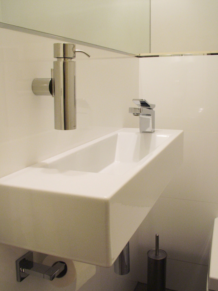 Mieszkanie dla pary z dzieckiem, 67m2, Gdańsk Nowoczesna łazienka od Studio Projektowania doMIKOart Nowoczesny