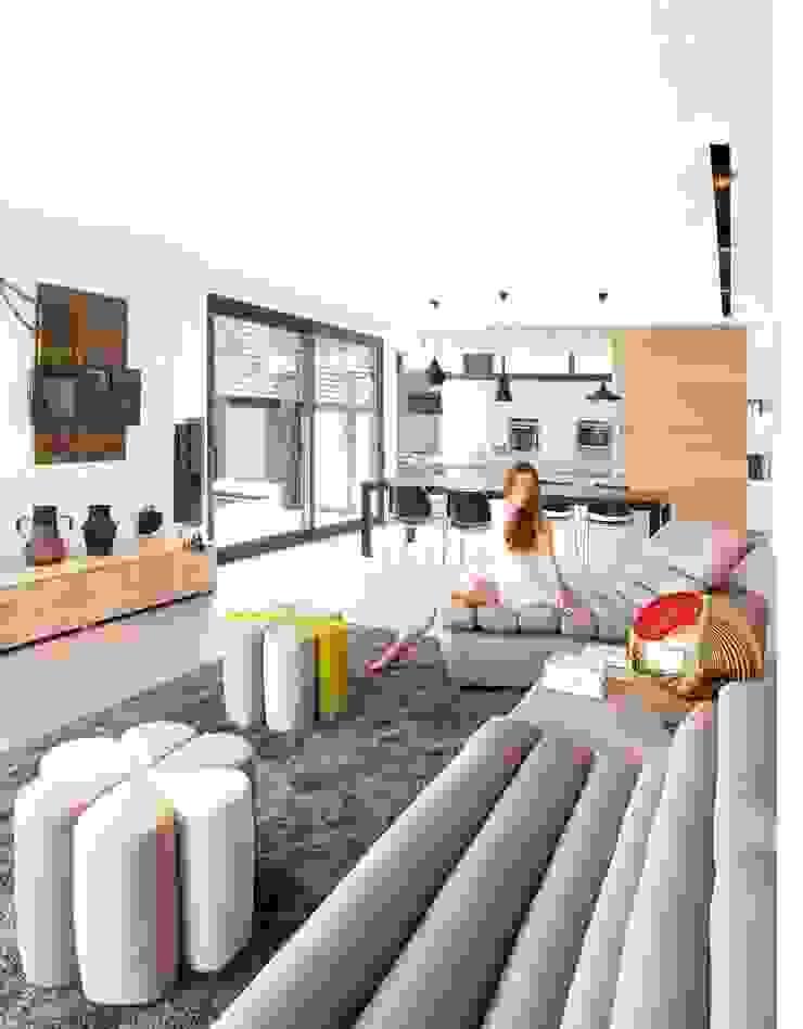 Modern living room by espunydesign Modern