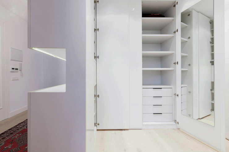 Apartament in Madrid Vestidores de estilo minimalista de Simona Garufi Minimalista