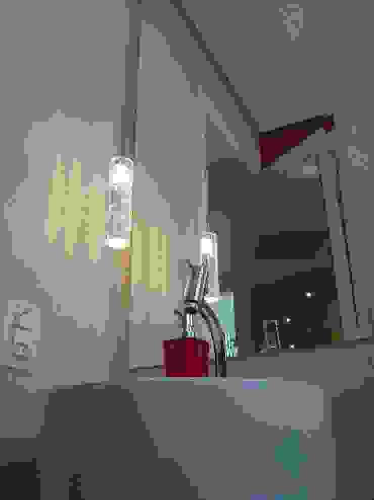 ProArq Brasil Baños de estilo moderno Papel Rojo