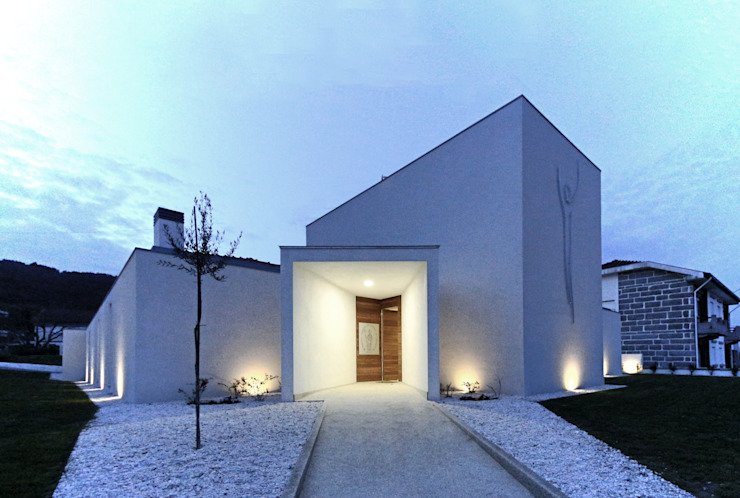Maisons de style  par 3H _ Hugo Igrejas Arquitectos, Lda,