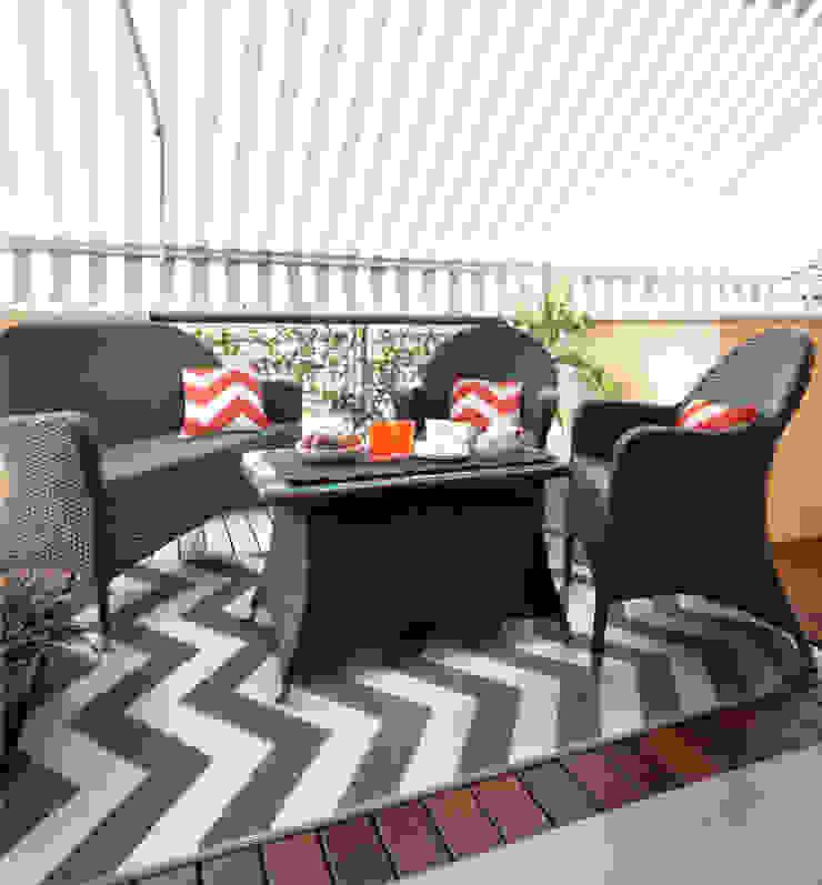 Grey chevron plastic outdoor rug: modern  by Green Decore, Modern Plastic