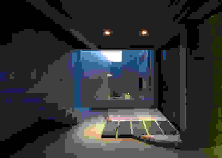 2階テラス モダンスタイルの 玄関&廊下&階段 の 本田建築設計事務所 モダン