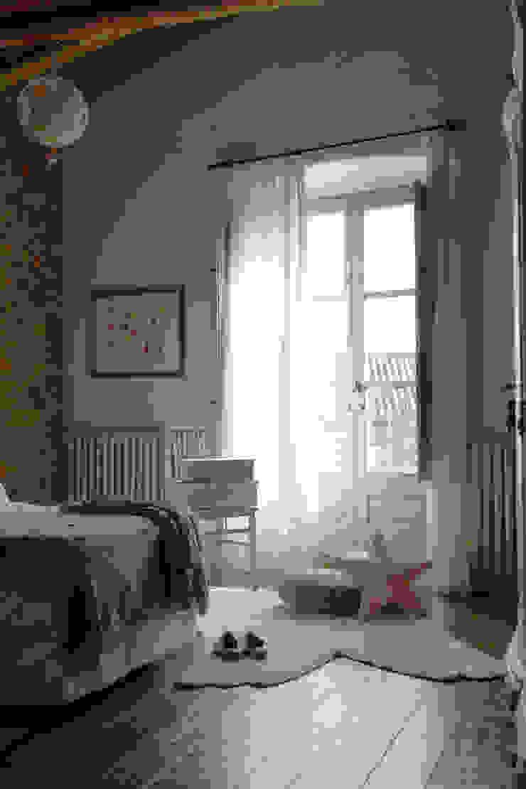 Habitaciones mágicas con las alfombras de Lorena Canals de LORENA CANALS Mediterráneo Algodón Rojo