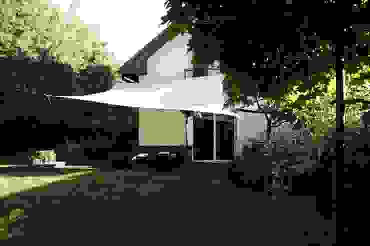 Dom z zewnątrz Klasyczne domy od ER DESIGN Klasyczny