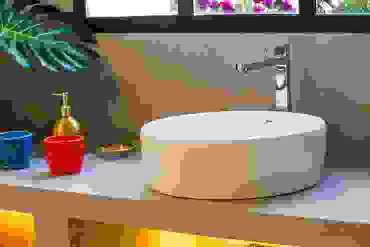 Badalona Home Design CONTRACT SOLUTIONS Baños de estilo industrial
