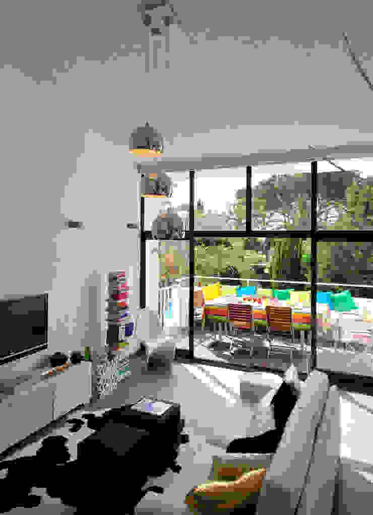 Private Residence in Vilamoura Modern living room by Leonor Moreira Romba - Arquitecturas Modern