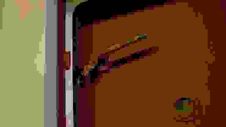 Birgit Glatzel Architektin Eclectic style bathroom Metal Red