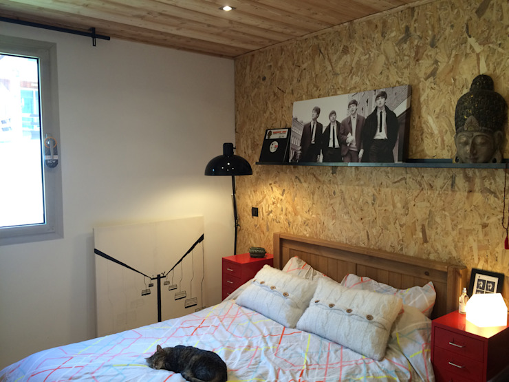 Modern Bedroom by HomeMade Architecture[s]® Modern