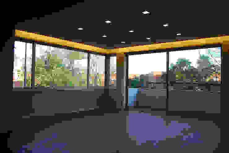 Dining room by Teresa Pinto Ribeiro | Arquitectura & Interiores, Modern