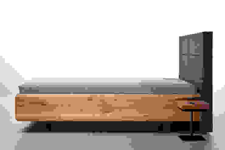 Łóżko BOXSPRING od mazzivo Nowoczesny Drewno O efekcie drewna