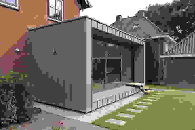 Renovatie en uitbreiding Jaren 50 woning Moderne huizen van Newjoy concepts Modern