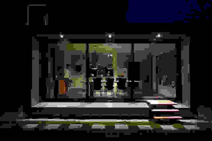 現代房屋設計點子、靈感 & 圖片 根據 Newjoy concepts 現代風
