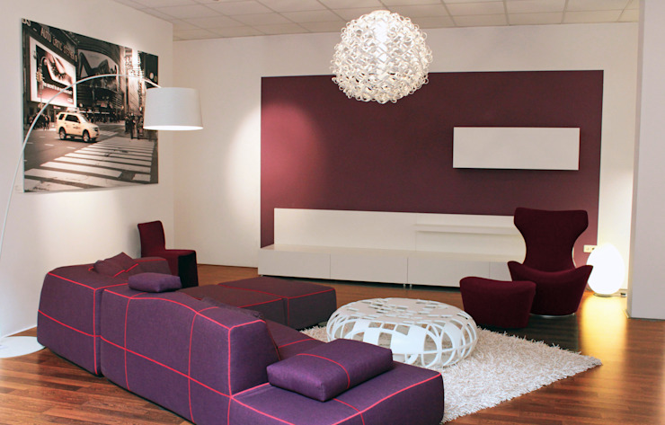 Unsere Ausstellung Moderne Wohnzimmer von Licht + Wohnen GmbH Modern