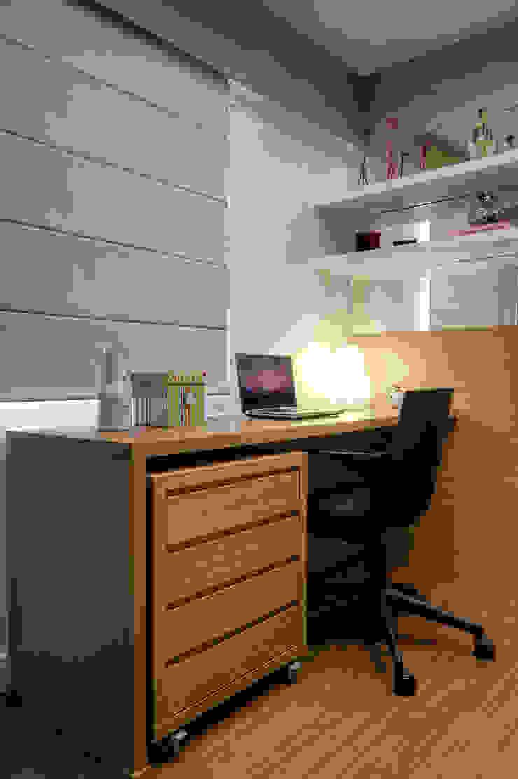 Nowoczesne domowe biuro i gabinet od M2A - Arquitetura e Eventos Ltda Nowoczesny