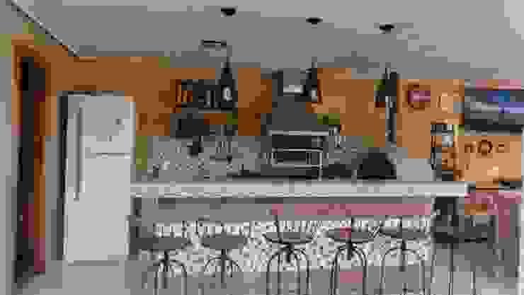 Jovem casal na cidade de Muriaé Salas de jantar clássicas por projetos10 Clássico