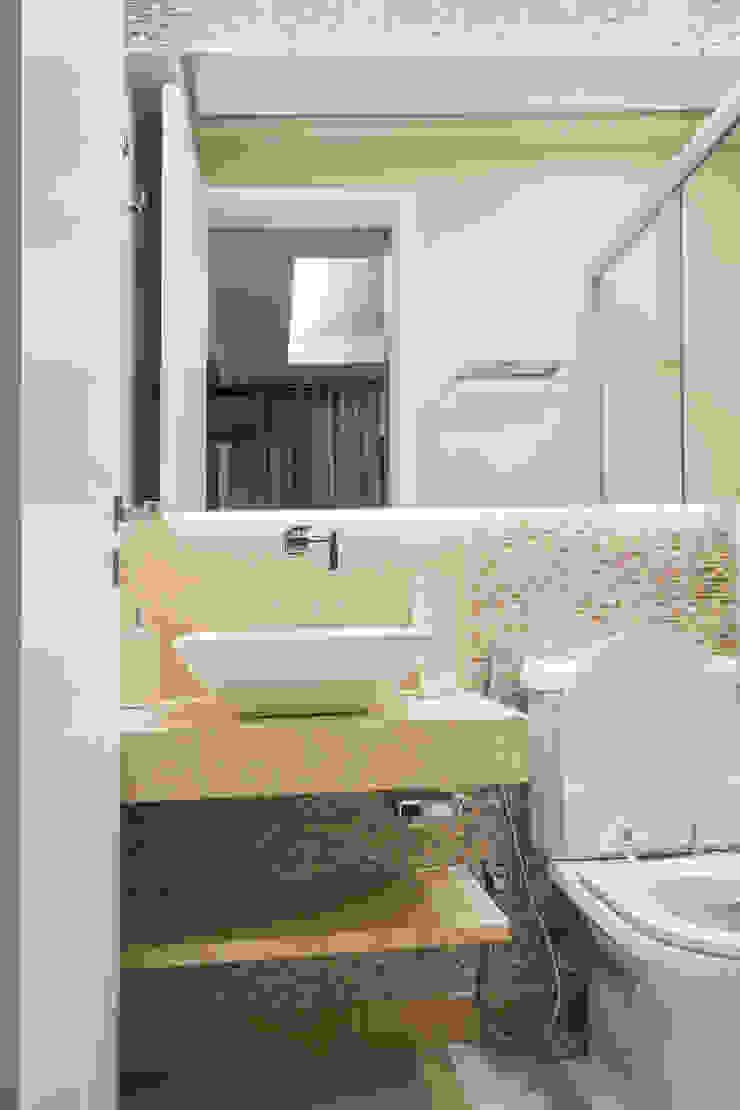 Nowoczesna łazienka od M2A - Arquitetura e Eventos Ltda Nowoczesny
