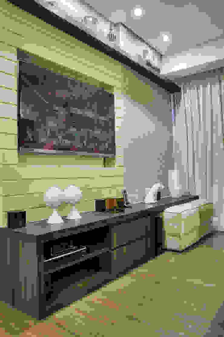 Nowoczesny salon od M2A - Arquitetura e Eventos Ltda Nowoczesny