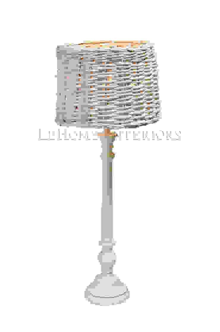 Настольная лампа F154 от LeHome Interiors Классический Дерево Эффект древесины