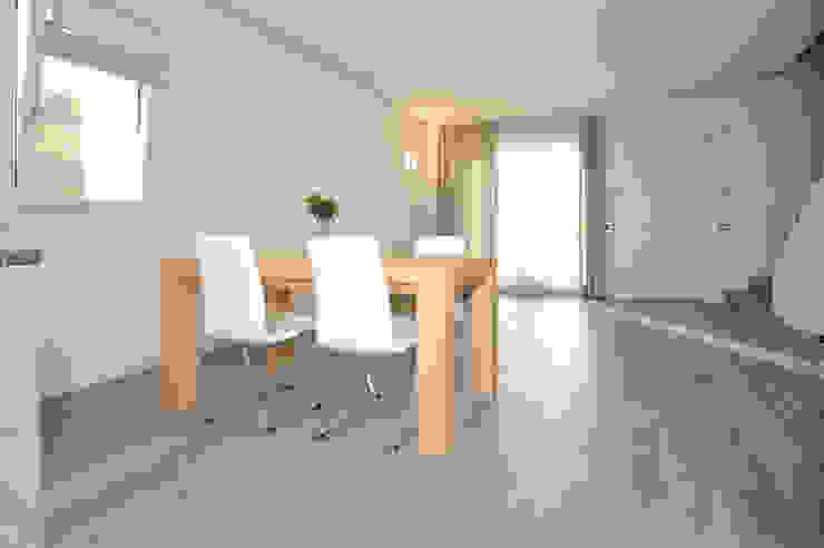 EMMEDUE di Ferruccio Mattiello 现代客厅設計點子、靈感 & 圖片 木頭