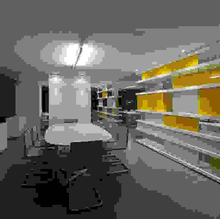 buerger katsota zt gmbh 書房/辦公室 玻璃 Yellow