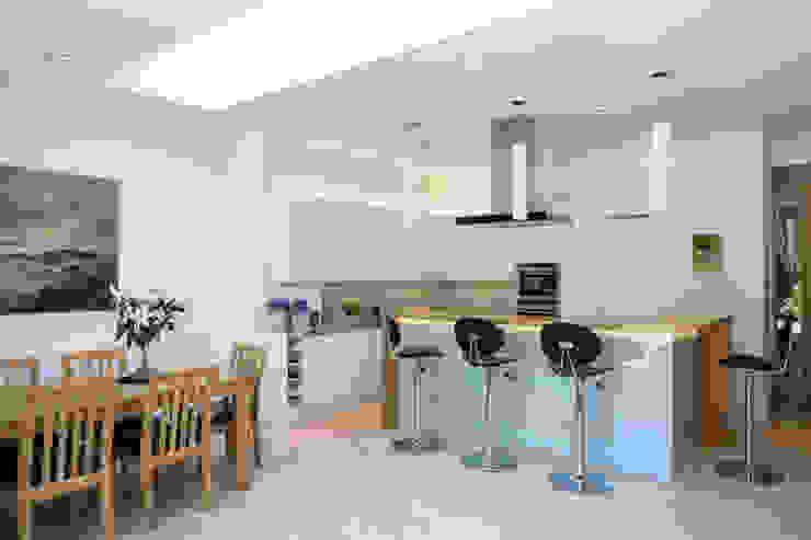 Fulham House Modern kitchen by Frost Architects Ltd Modern