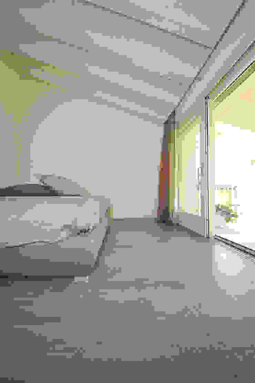 EMMEDUE di Ferruccio Mattiello Moderne Schlafzimmer Holz