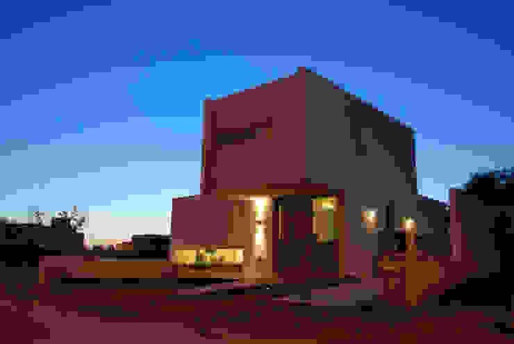 Casa en Manatiales - Casa del músico Casas modernas: Ideas, imágenes y decoración de barqs bisio arquitectos Moderno