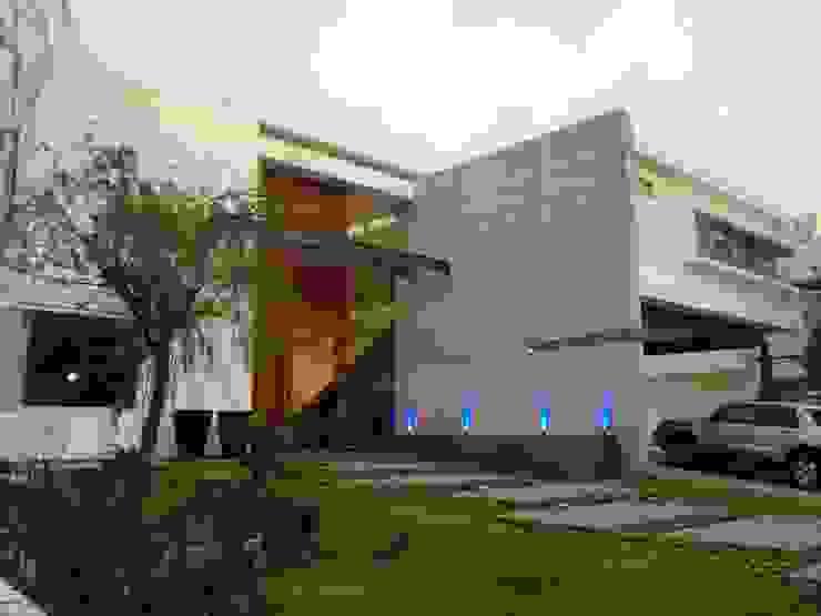 Casa UP + Fachada Exterior Casas minimalistas de Artico Design & Builders Minimalista