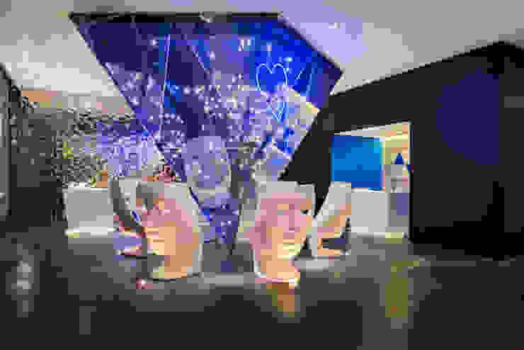 Living Room Hotel W Pasillos, vestíbulos y escaleras modernos de diesco Moderno