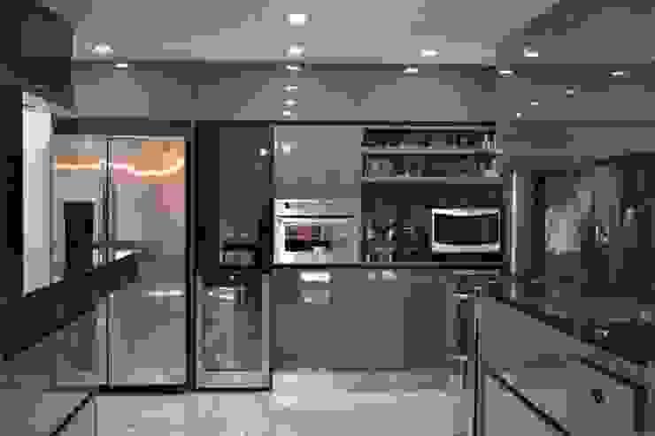 Projekty,  Kuchnia zaprojektowane przez Escala Veinte, Nowoczesny