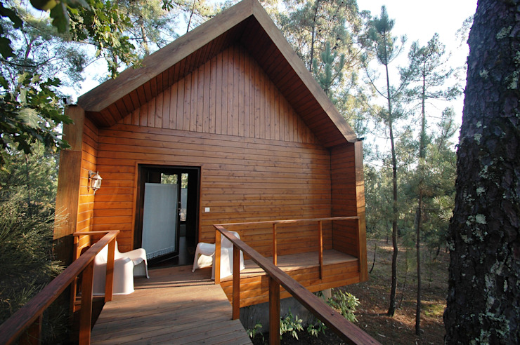 NORMA | Nova Arquitectura em Madeira (New Architecture in Wood) Rustic style house Solid Wood Wood effect