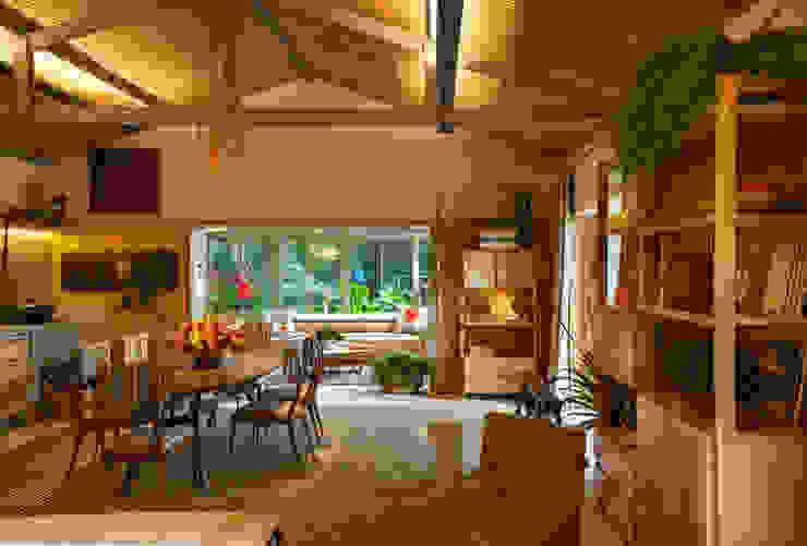 Tropische woonkamers van Marina Linhares Decoração de Interiores Tropisch