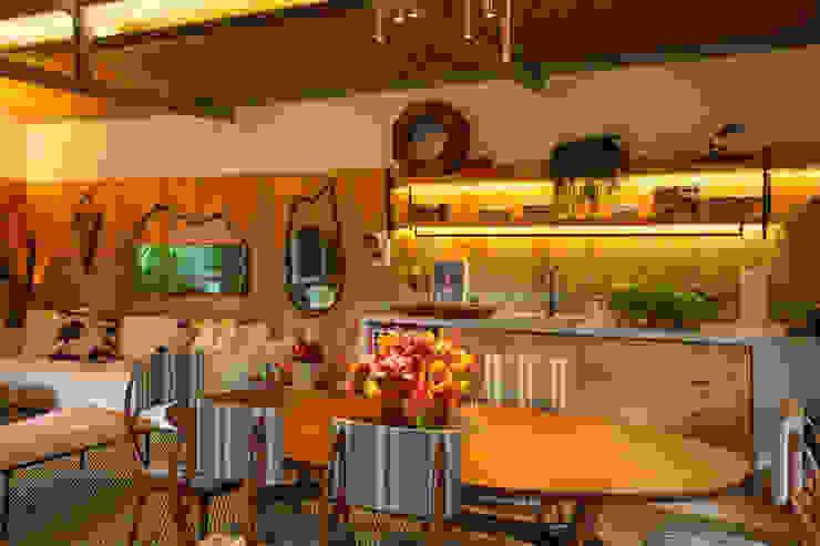 Cocinas tropicales de Marina Linhares Decoração de Interiores Tropical