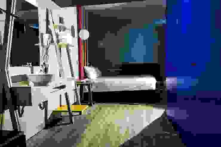 Baño, Habitaciones de homify Moderno Compuestos de madera y plástico