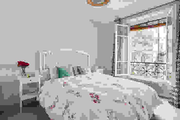Decorexpat Dormitorios de estilo moderno Azul