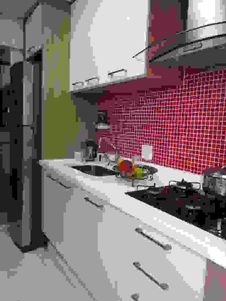 Cozinha Pequena Cozinhas modernas por Odete Brito Moderno MDF