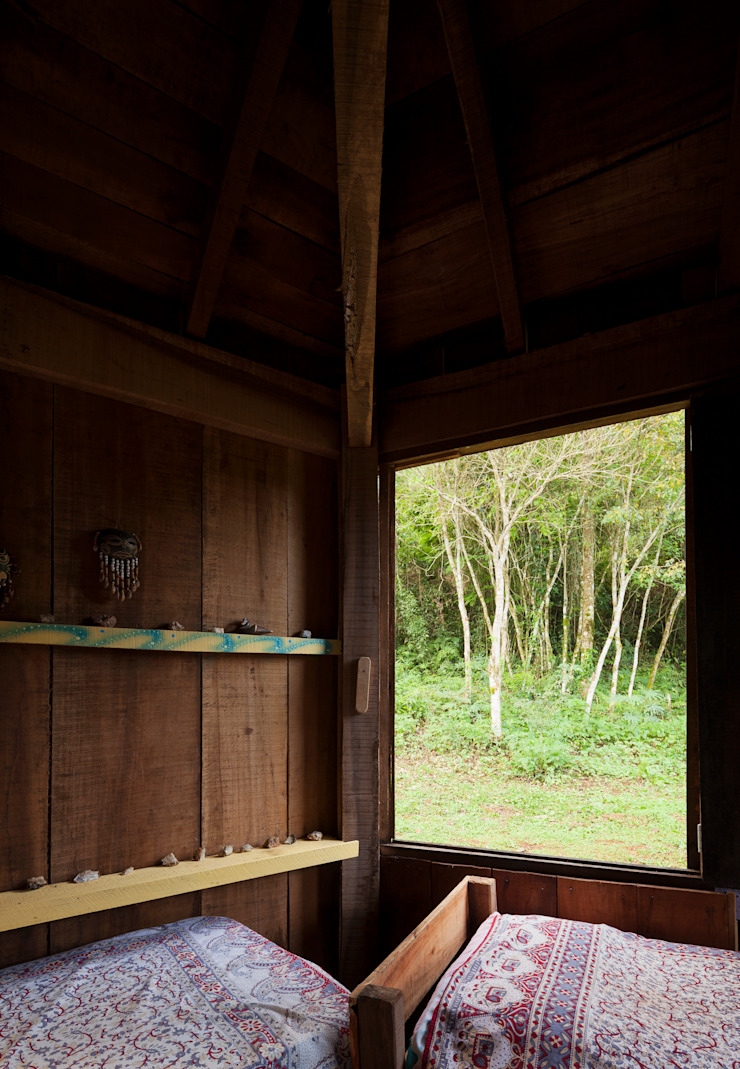 Country style bedroom by IR arquitectura Country Solid Wood Multicolored