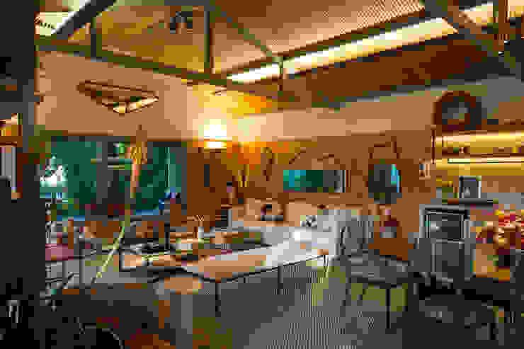 Living room by Marina Linhares Decoração de Interiores,