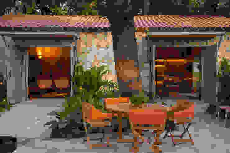 Garden by Marina Linhares Decoração de Interiores, Tropical