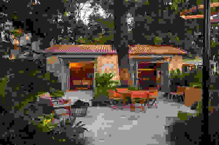 Casa Cor 2015/ A Casa da Gente: Jardins  por Marina Linhares Decoração de Interiores