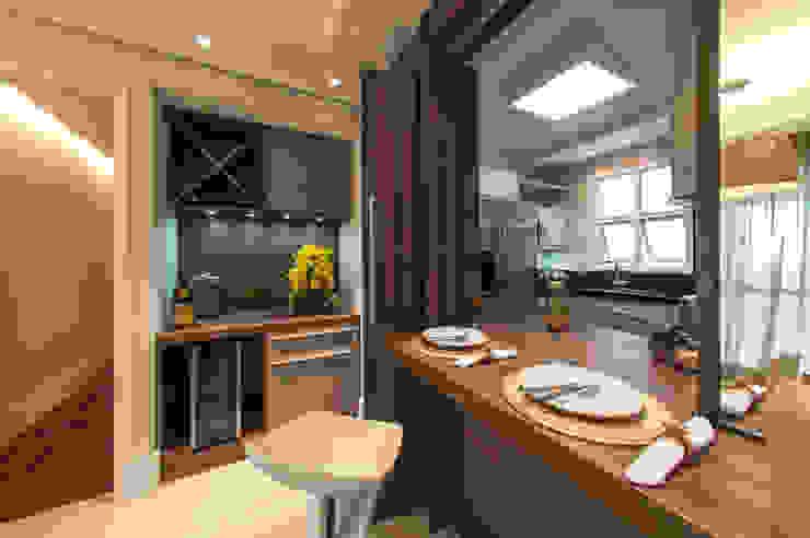 Sala de Jantar integrada com a cozinha Salas de estar modernas por LC ARQUITETURA Moderno