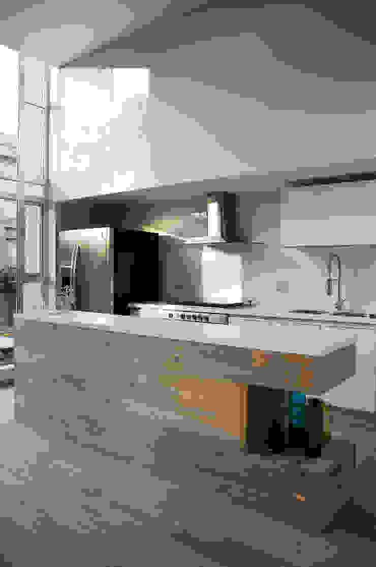 Cocina Cocinas escandinavas de Basch Arquitectos Escandinavo Madera Acabado en madera